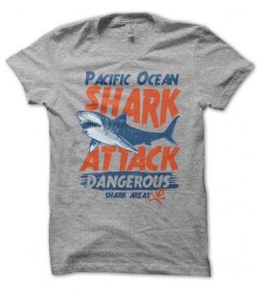 T-shirt Shark Attack