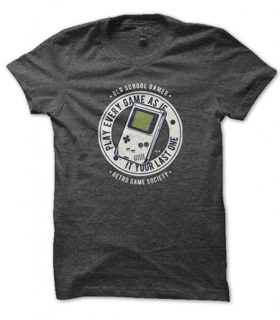 Tee Shirt old school Geek gameboy