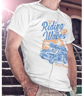 Tee Shirt Riding the Wave, Long Beach California